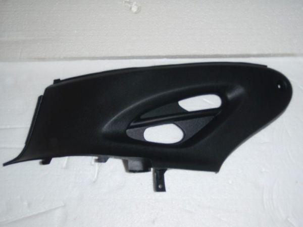 002 - Abdeckung Kunststoff links für RETRO125 Roller Znen Fosti
