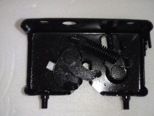 009 - Schließeinheit Sitz für RETRO125 Roller Znen Fosti